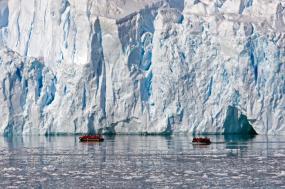 Fly & Cruise - Falkland Islands, South Georgia & Antarctica tour