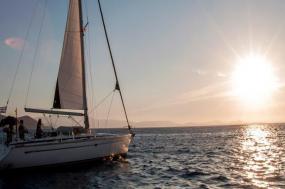 Sailing Greece - Mykonos to Santorini tour