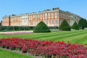 Independent London: Roman Walls and Historic Royal Palaces tour