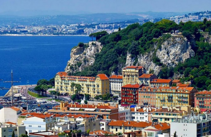 Voyages to Antiquity: Exploring History's Grandeur in France and Spain tour