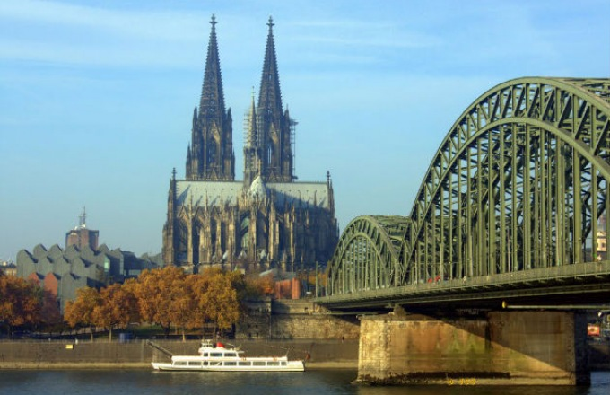 European Splendor Eastbound tour