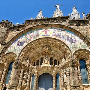 Iberian Discovery & Morocco with Barcelona tour