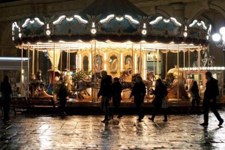 Christmas in Paris (Start London, end London) tour