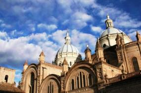 8-Day Express Ecuador & Galapagos Tour - Superior Hotel**Stay in 4 Star Hotels!** tour