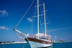 Maldives Sailing Safari tour