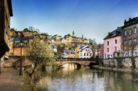 4-Day Western Europe Tour: Reims - Trier - Frankfurt - Cologne**Paris to Amsterdam** tour