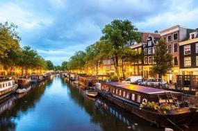 12-Day UK + Western Europe Tour: London - Edinburgh - Frankfurt - Amsterdam**Paris Departure** tour