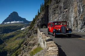 13 Day Canadian Rockies & Western Canada 2018 Itinerary tour