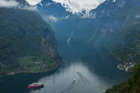 Norwegian Fjords & Arctic Discovery tour
