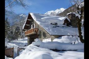 Pyrenees Winter Walk & Snowshoe tour