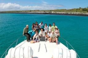 6-Day Galapagos Tour: Santa Cruz + 3 Navigable Islands tour