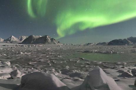 Arctic Express: Greenland's Northern Lights - Fly North, Fly South