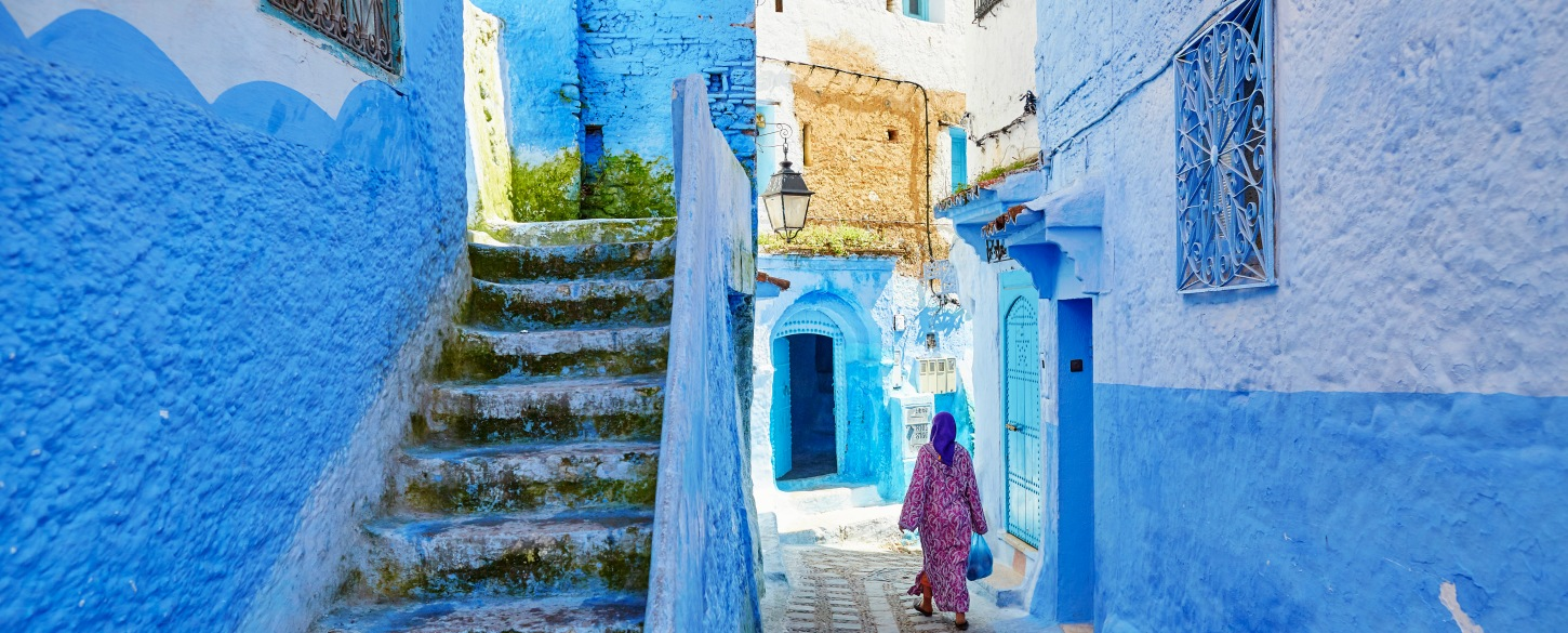 Local woman on streets of Morocco homestays local immersion tours