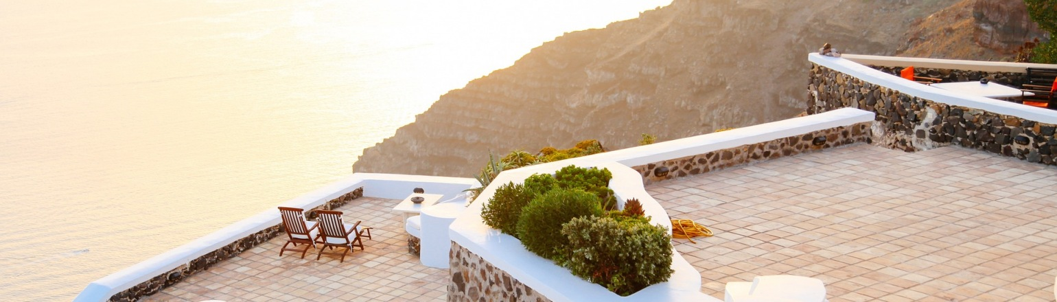Accommodations in Greece overlooking the ocean on luxury tour