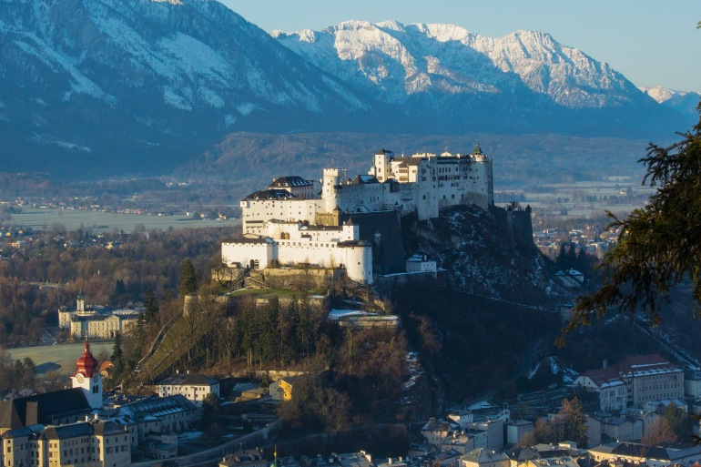 Sunrise of old town Salzburg, Europe_P