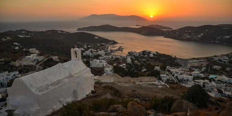 Sailing Greece - Santorini to Mykonos tour