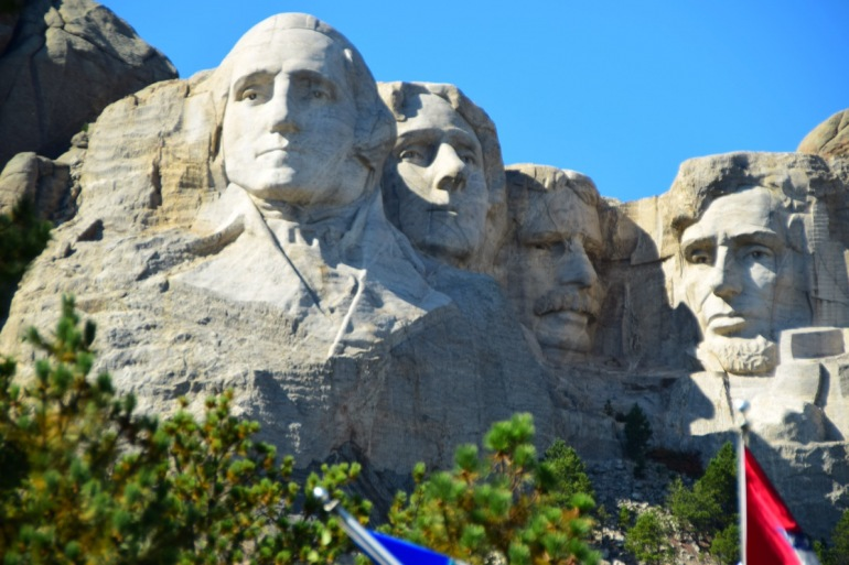 Mt Rushmore, Grand Tetons & Yellowstone tour