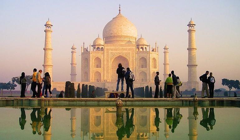 India on a Shoestring tour