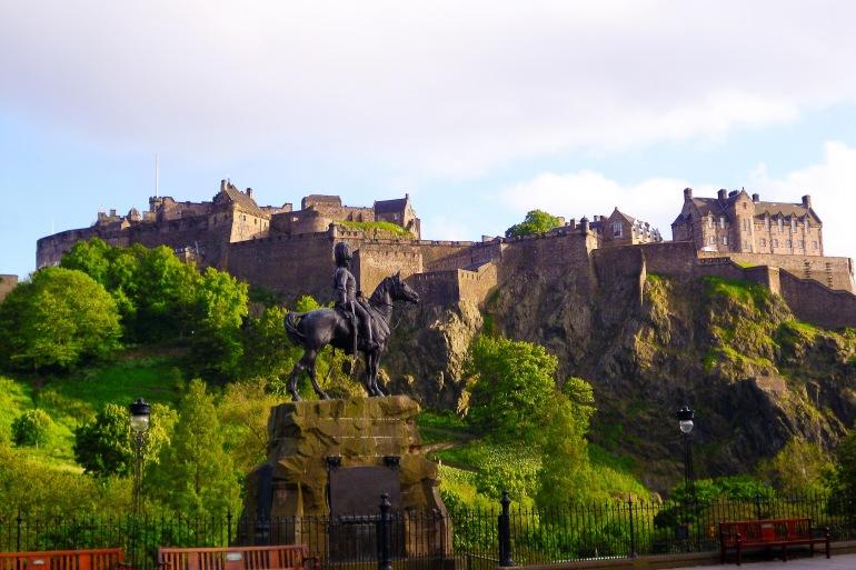 Stunning view of Edinburgh castle, Scotland