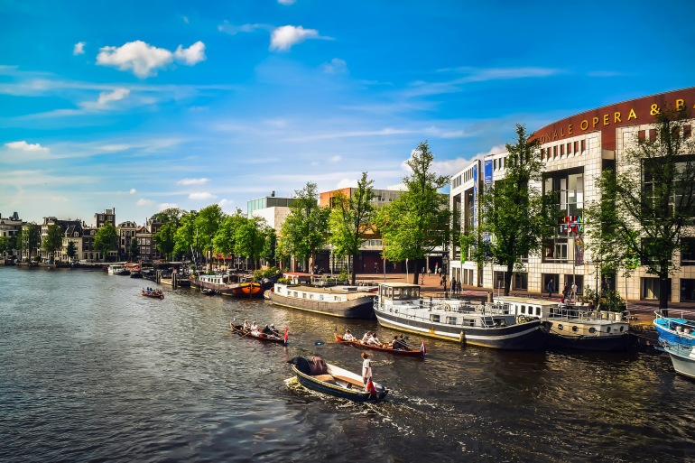 Boats around buildings-Amsterdam-1977004-p