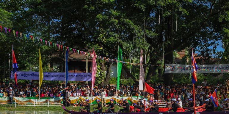 Cambodian Water Festival and Longboat Race tour