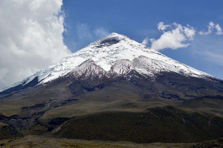 Volcano near Mountains -Ecuador-2919513-p