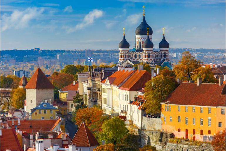 Local Immersion Historic sightseeing Oslo to Vilnius package
