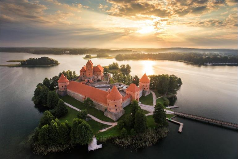 Adventure Historic sightseeing Highlights of Russia & the Baltics package