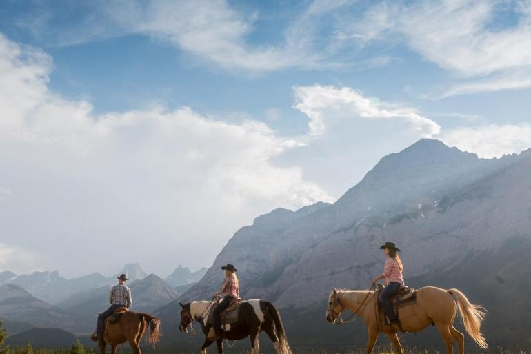 Iconic Rockies and Western Canada tour