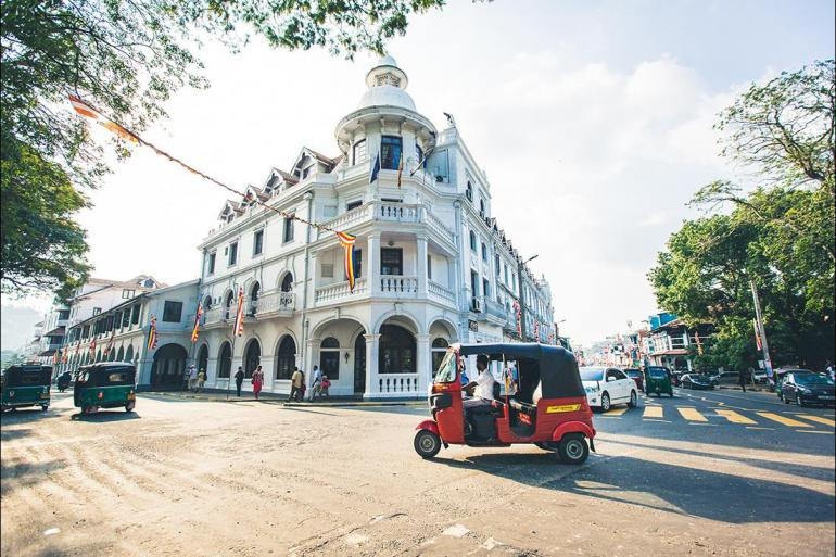 Local Immersion Historic sightseeing Best of Sri Lanka package
