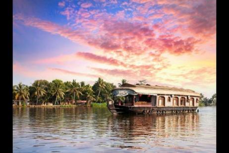 Kerala Backwaters and Highlights of Sri Lanka tour