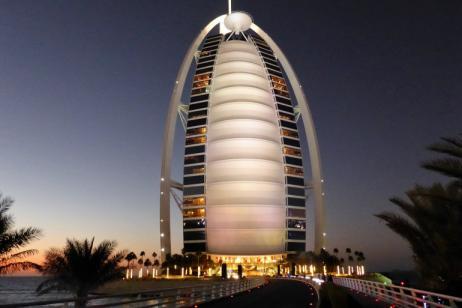 Deluxe Dubai & Abu Dhabi tour