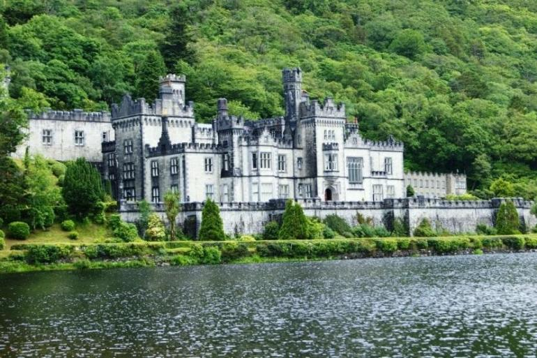 Cultural Hiking Connemara - Self Guided - 7 Days package
