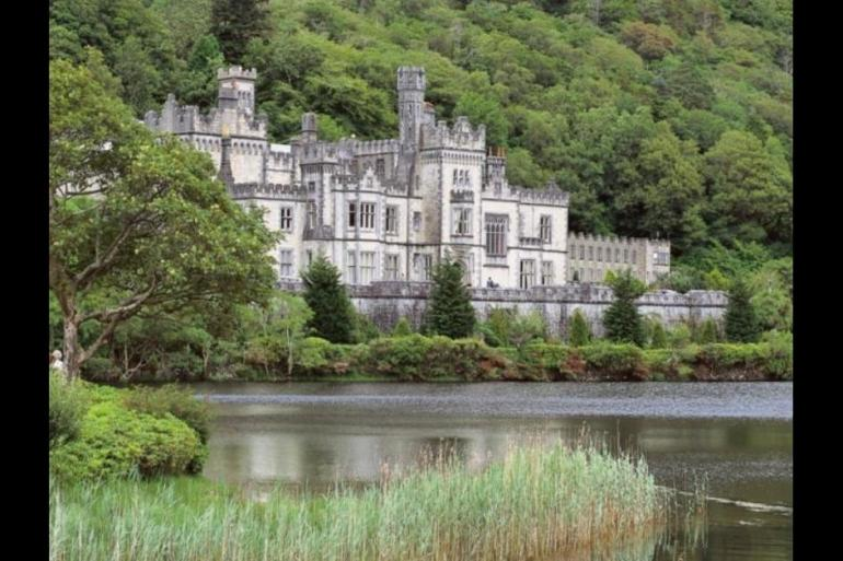 Local Immersion Hiking Walking Ireland - Northern Gem - 9 Days package