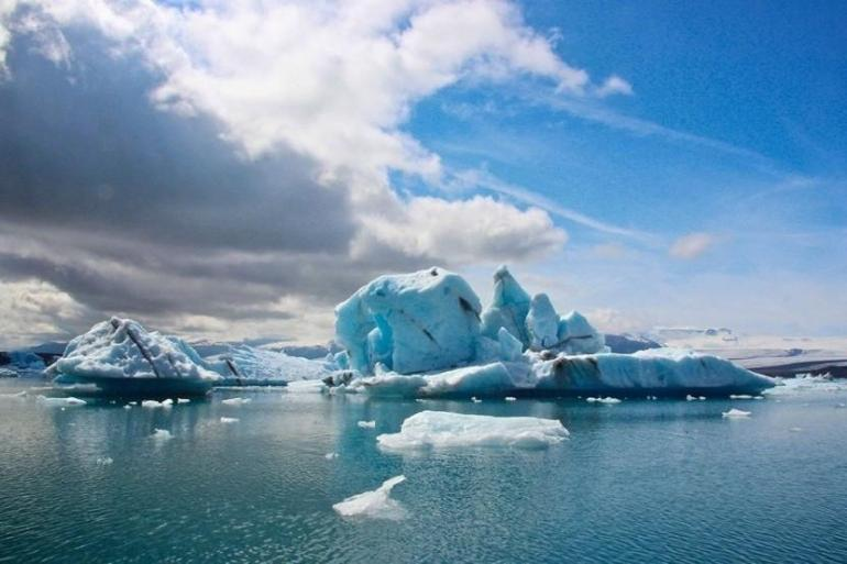 Hiking & Walking Trekking Kingdom of Glaciers and Northern Lights (5 Days) package