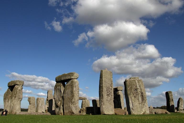 Stonehenge Prehistoric-England-1155706-P