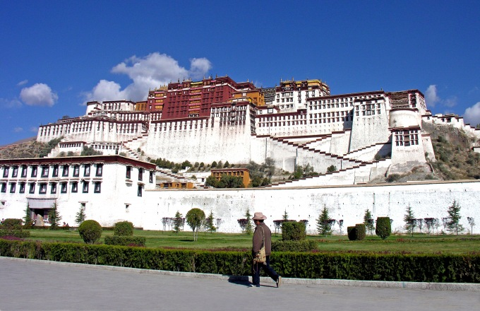 China, Tibet & the Yangtze  tour