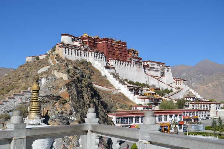Beautiful Potala Palace-Tibet-895493-P