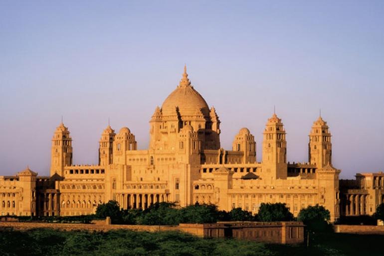 Iconic India tour