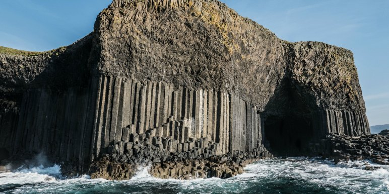 fingals cave in scotland