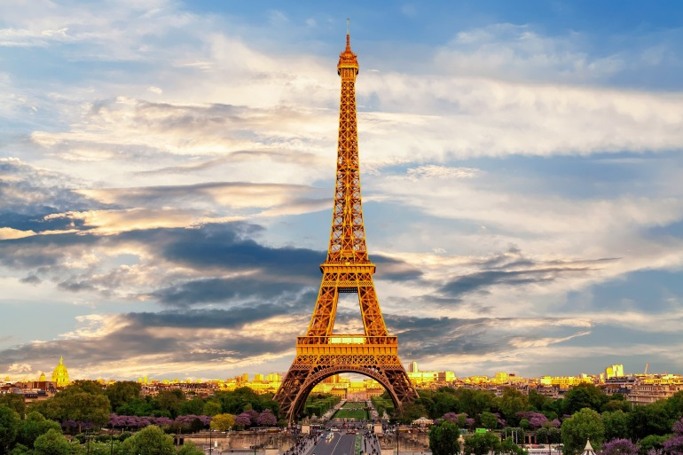 Eiffel tower-France-3349075_P