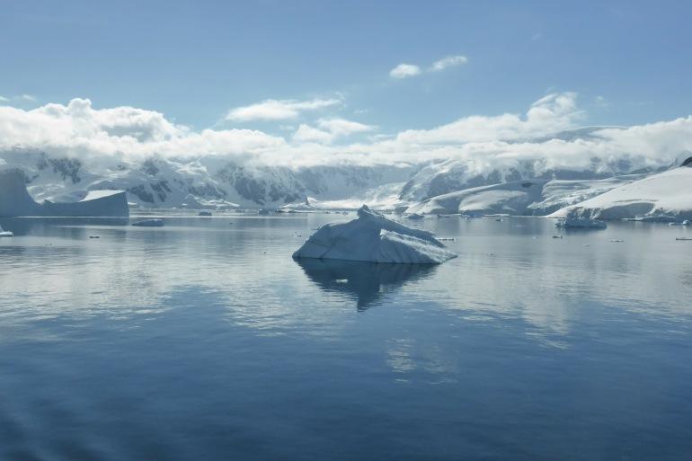 Icebergs antarctic-Argentia-337609-P