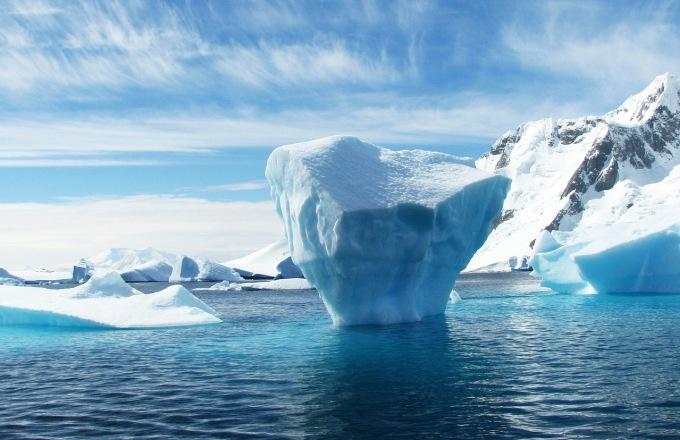 Antarctica XXI Air / Cruise Classic tour
