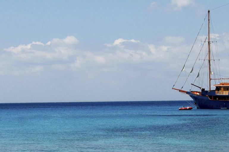 Greek Island Cruising (Jewels of the Cyclades) tour