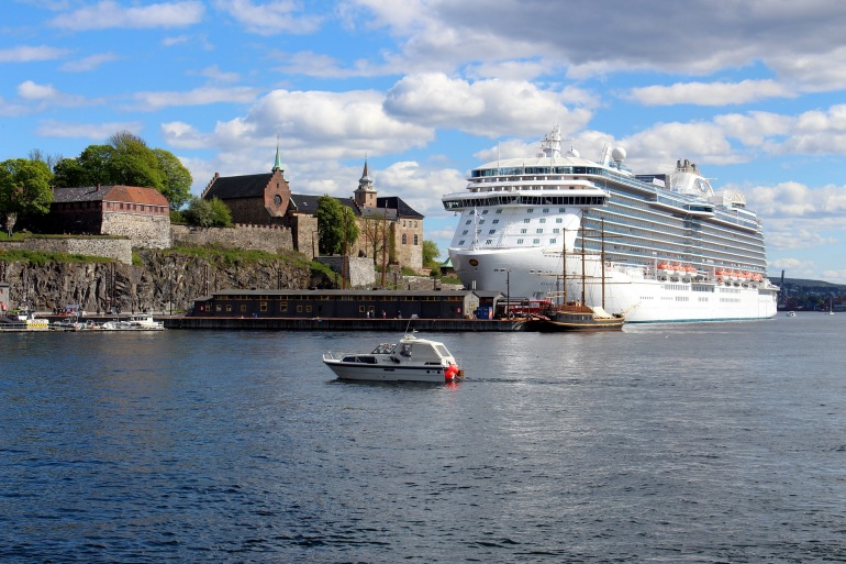 Northern Lights Cruise & Snow Hotel tour