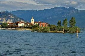 Northern Italys Highlights & Cinque Terre with Lake Maggiore