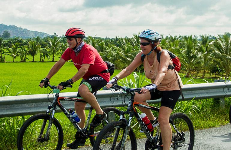 Cycle Vietnam tour