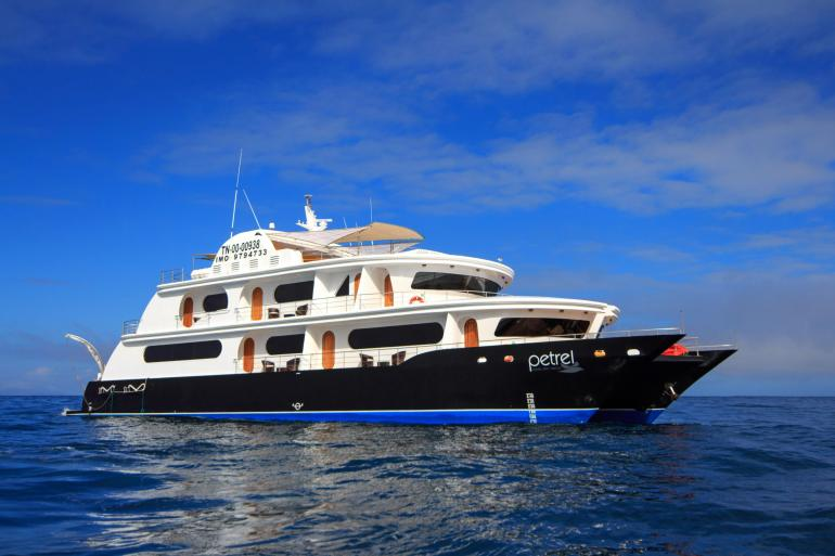 Galapagos Islands Luxury Adventure Cruise tour