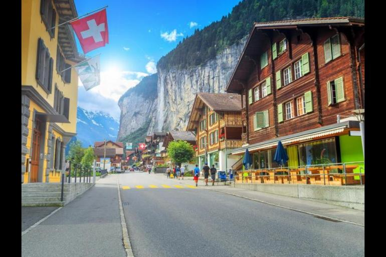 Hiking & Walking Hiking Self-Guided walking in the Bernese Oberland package