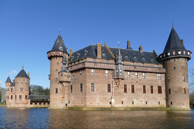 Castle view of Netherlands_3130477_P